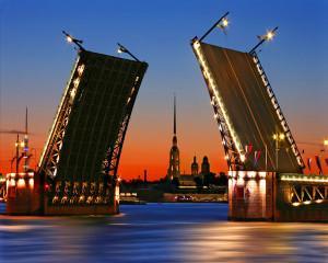 В Петербурге выявлено 250 социальных объектов, строящихся за счет инвесторов