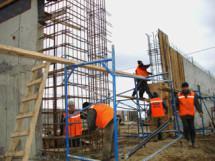 Задолженность по зарплате строителям олимпийских объектов выплатят до 14 января 2014 года