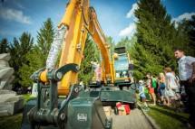 Екатеринбург устроит в День строителя шоу строительной техники