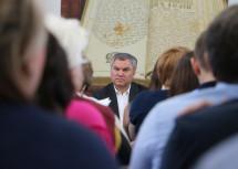 Вячеслав Володин отказался поздравлять с Днём строителя саратовских застройщиков и предложил вызвать СРО «на ковёр»