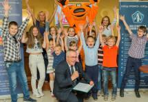 Детям строителей вручили награды