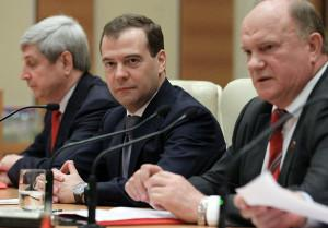 Медведев назвал «порочной» систему долевого строительства