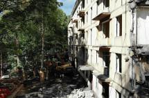 В Москве снесли первый дом по программе реновации