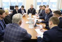 Архангельский губернатор контактирует со строителями