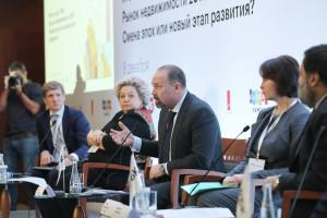 Глава Минстроя пообещал застройщикам послабления в обмен на эскроу-счета