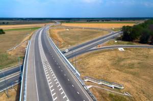 Более 30 млрд рублей на Кубани «закатают» в дороги