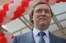 Андрей Молчанов поздравил коллег с Днём строителя