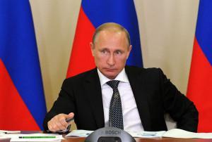 Владимир Путин принял участие в обсуждении проблем дорожно-транспортной отрасли