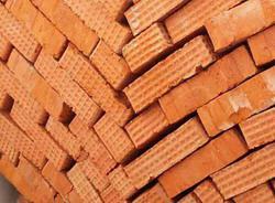 Объем производства строительных материалов в России за 3 года снизился на 40%