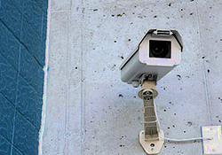 Каждому подъезду — по видеокамере