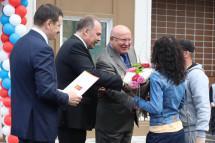 Глава Минстроя лично вручил ключи новосёлам в Кстово