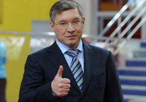 Глава Минстроя России поздравил строителей с профессиональным праздником