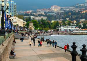 Летом в Крыму остановятся стройки